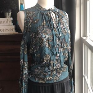 MM  outbreak by Miss Me Cold Shoulder Top Sz Small